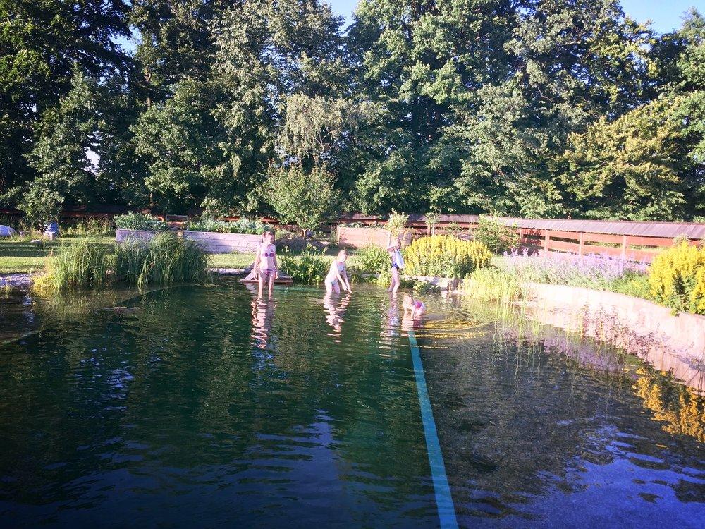 vítání léta v Trojanovicích, ktgardens, zahrada, koupací jezírko