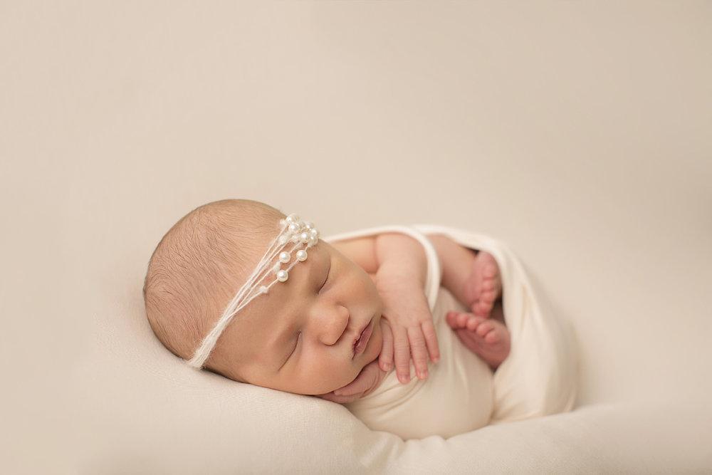 newborn portraits richmond va.jpg