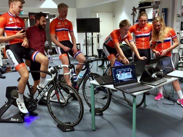 Zwift-DutchTeam-2-600x450.jpg