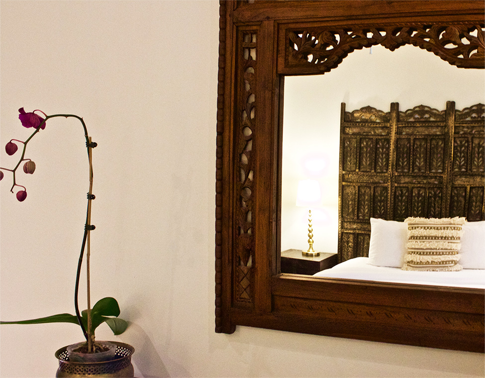 palm-springs-hotel-the-rossi-moroccan-style-room-mirror