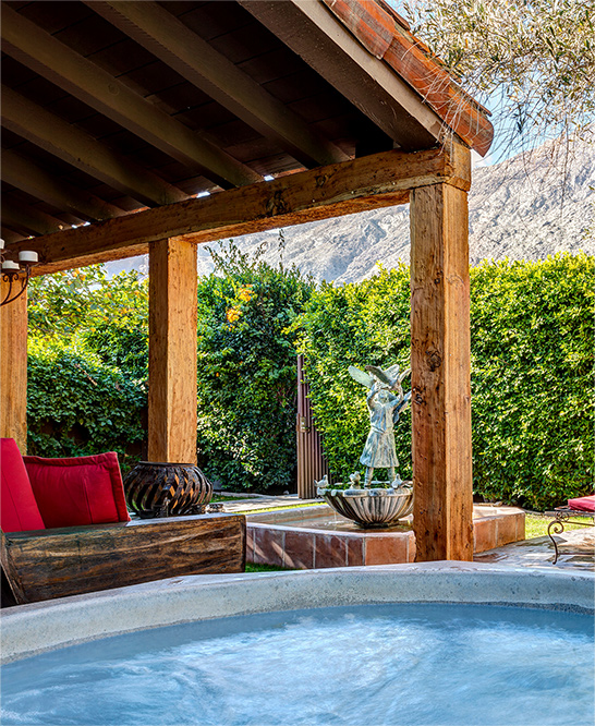 palm-springs-hotel-the-rossi-fountain-hacienda-hot-tub