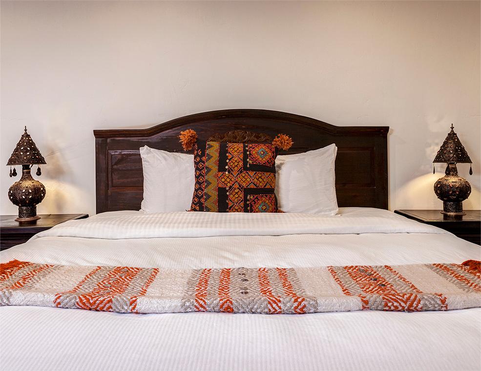 palm-springs-hotel-the-rossi-hot-kasbah-hacienda-bed