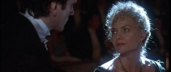 Newland Archer (Daniel Day-Lewis) and Ellen Olenska (Michelle Pfeiffer).