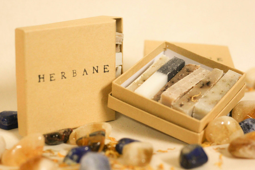 These little guys are perfect for a multitude of reasons. If you're traveling, new to natural soaps, new to Herbane or just appreciate variety, this one's for you.  Sample boxes come with six randomly picked Herbane soaps.