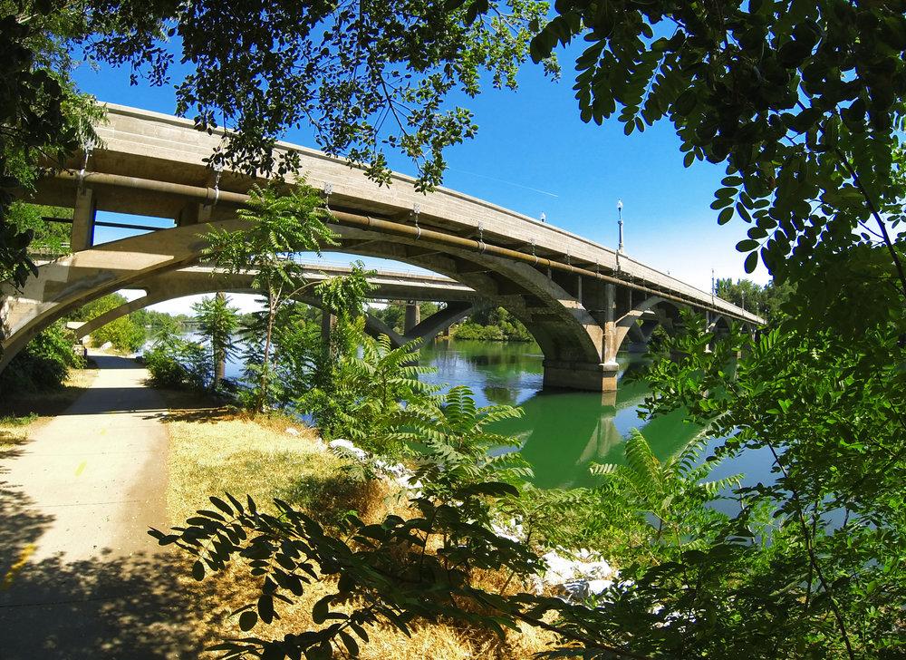 Diestelhorst Bridge.jpg