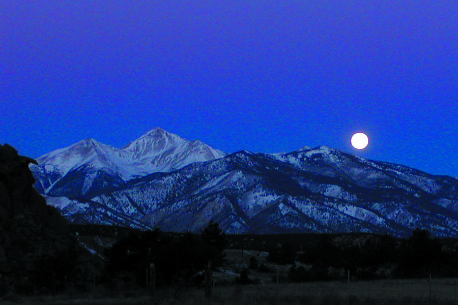 Moon-Mountains.jpg