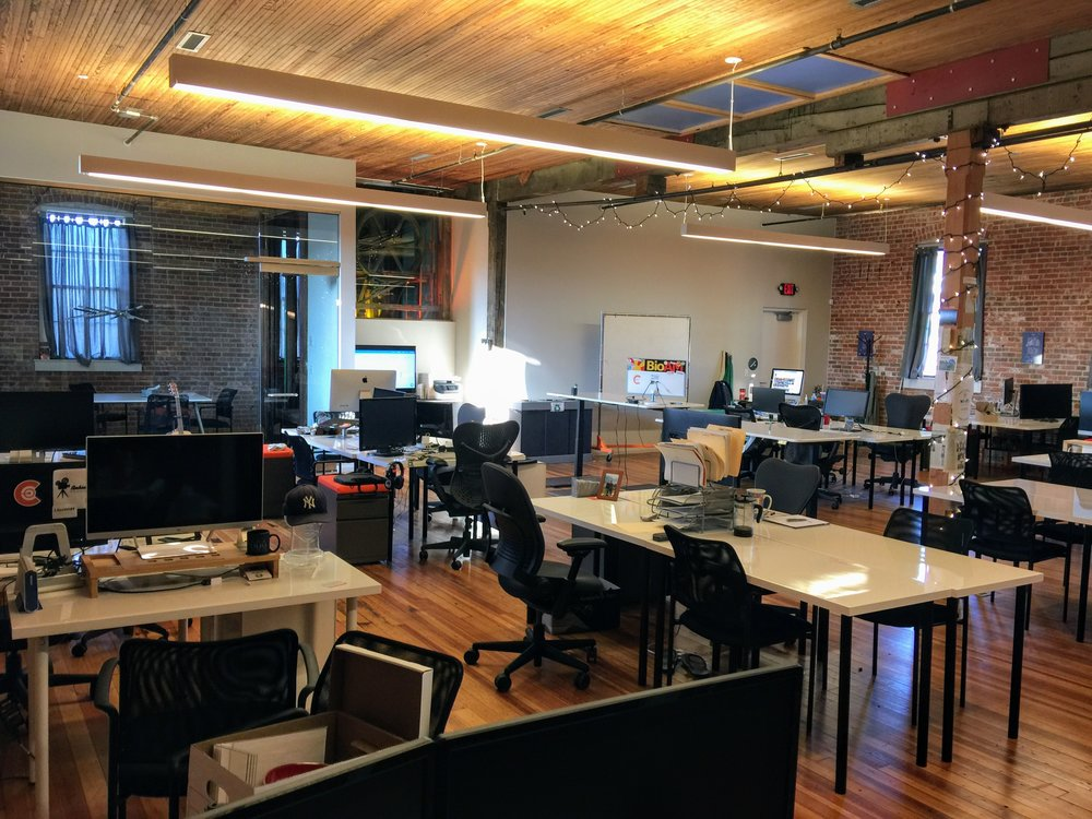 Drop In - Day - $35/day + Tax• Use of a hot desk• Quiet Room and Conference Room Access• Available M-F 8am-5pm• Weekly rates available