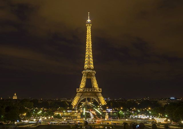 ✈cheap flight alert! NYC/BOS/MIA - Paris 🗼 $300s - $400s roundtrip! ✈ When: Sept - Apr 2018. Sign up to receive cheap flight alerts directly to your inbox. We find deals, you save 💵💵 #cheaptravel #cheapflightdeals #cheapflights #travelgoals #travelbug #traveldeals #cheapflightalerts #travelmoreworryless #travelmore #affordabletravel #traveladdict #aroundtheworld #ilovetravel