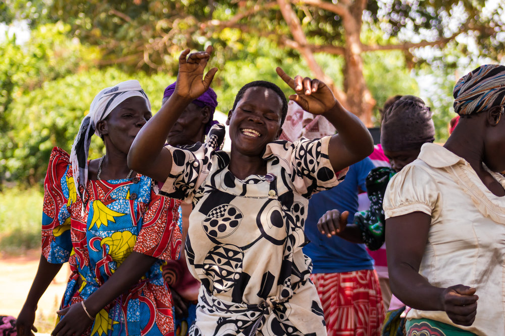 When Ida comes to town,  the women who gather to listen to her receive rest, and it is often their only break during the week. Since women are generally responsible for about 90 percent of domestic work, their family needs them to do work all day, every day, including weekends. However, Ida's visits give the women a few hours to rest and spend time together in community.