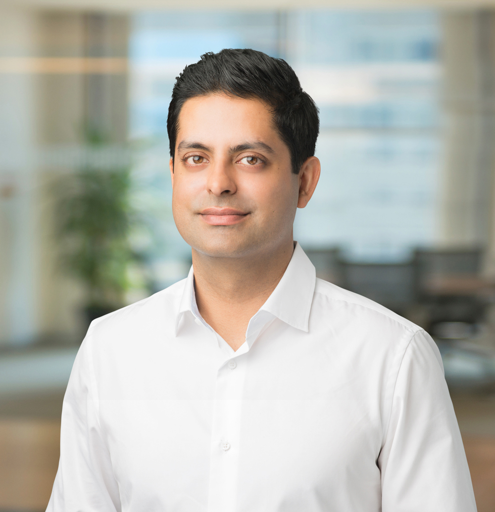 Sunny Dhillon    Sunny Dhillon is a partner at Signia Venture Partners, an early stage Silicon Valley venture capital fund. He invests in VR, AR, gaming, ecommerce, and consumer technology companies.