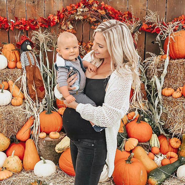 Happy Sunday!! 🤗💕We took all of your advice & suggestions from my post yesterday & decided to skip the nap & go have some fall family fun instead!! 🍂🍁🎃 . . Thank you all SO much for your suggestions! We visited both Hazlemere & @krauseberryfarms & plan to do all the others in the weekends to come! . . & I am SO happy we took your advice yesterday because we have had THE laziest Sunday I think in the history of Sunday's since having Dax 10 months ago! 😂 . . We literally have not left the house all day! Dax & Daniel are currently napping together on the couch, I have pumpkin spice candles lit all over the place & have just been enjoying the lazy, quiet rainy day in my PJs! Sometimes the best thing to do in order to rest & recharge is to do nothing at all! & that has been our Sunday today 🤗 . . What are you all up to on this Sunday Funday?  Has it been as cozy & lazy as mine? 💕
