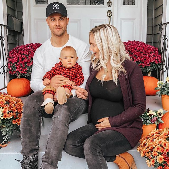 Happy Thanksgiving from our family to yours 🤗🍁🍂🦃 . . Today I encourage you to really take a few minutes to think about 3-5 things you are grateful for!! Practicing gratitude has been shown to improve your physical & psychological health & has also been shown to reduce stress levels & improve sleep- & who couldn't use less stress , more sleep & all the good feels practicing gratitude has to offer!? . . Here's what I'm feeling grateful for today:  1. My family 👪 2. The fact I got to drink a hot cup of coffee this morning (not microwaved 10x) ☕️ 3. Being a mom to the most beautiful & healthy baby boy & the fact I'm currently growing another healthy little babe in my belly 🤰🏼 4. My job & the opportunity it provides me to help & connect with other women & mamas on a daily basis💕 . . What are you grateful for today ? Tell me in the comments 🤗🤗