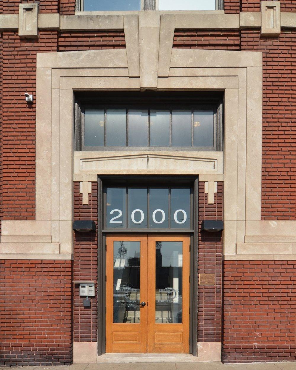 2000B-14.jpg