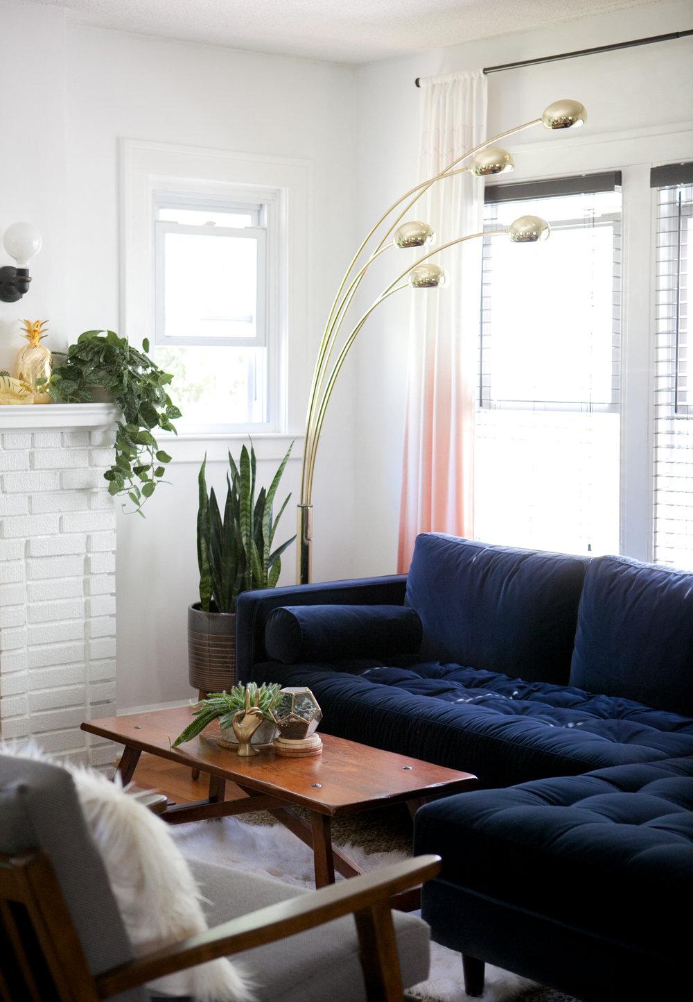 03_Design-Sponge-Jessica-Brigham-Living-Room.jpg