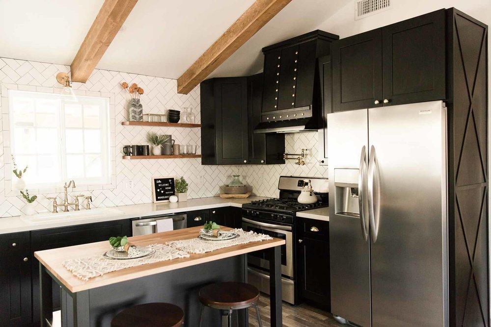 Modern-mood-home-studio-arizona-natural-light-photo-studio-rental-13.jpg
