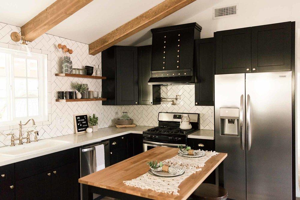 Modern-mood-home-studio-arizona-natural-light-photo-studio-rental-17.jpg