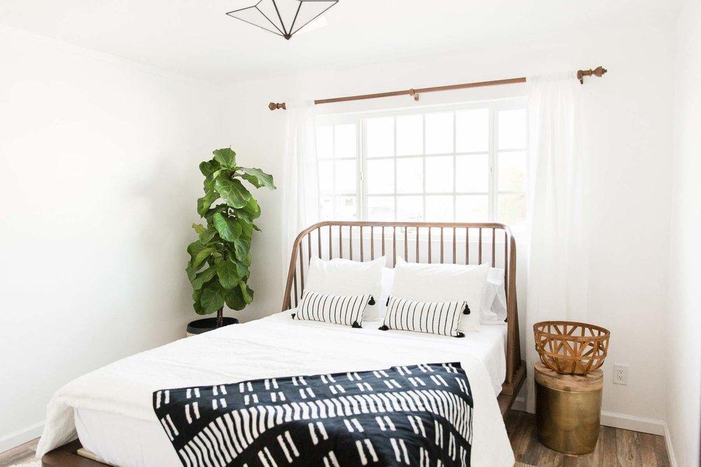 Modern-mood-home-studio-arizona-natural-light-photo-studio-rental-29.jpg