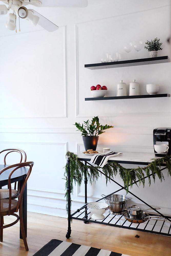 simple-charm-home-studio-chicago-illinois-natural-light-photo-studio-rental-18.jpg