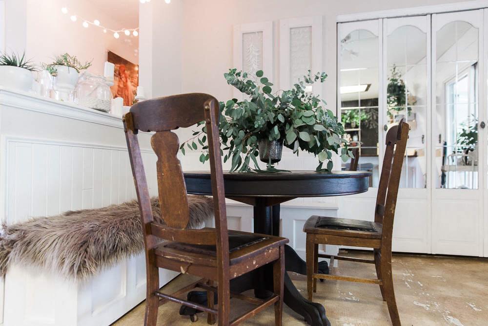 vintage-retreat-home-studio-colorado-natural-light-photo-studio-rental-24.jpg