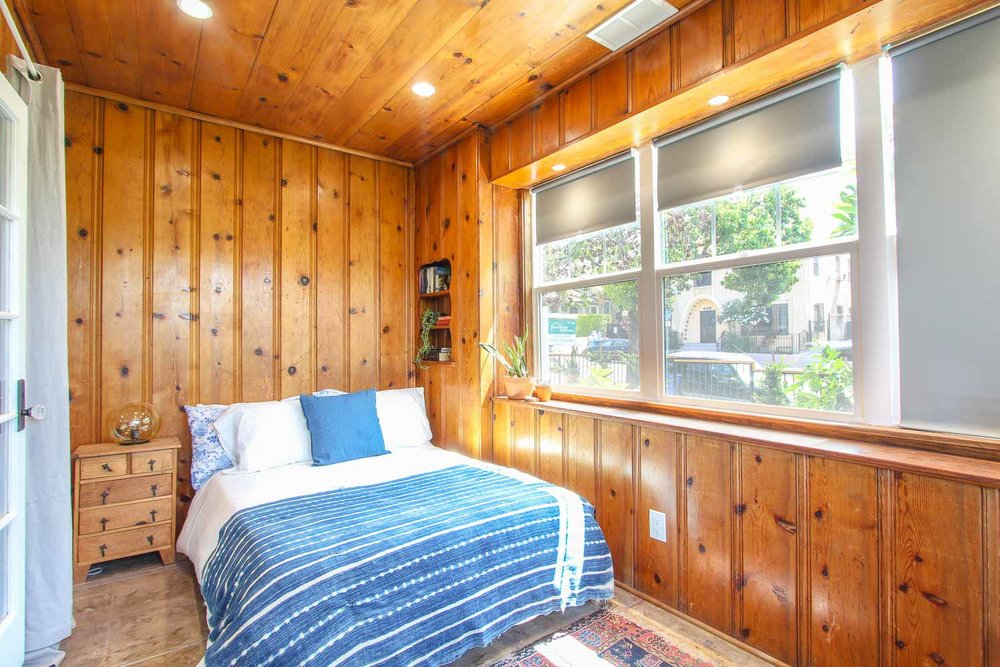 sunny-retreat-home-studio-los-angeles-california-natural-light-photo-studio-rental-4.jpg