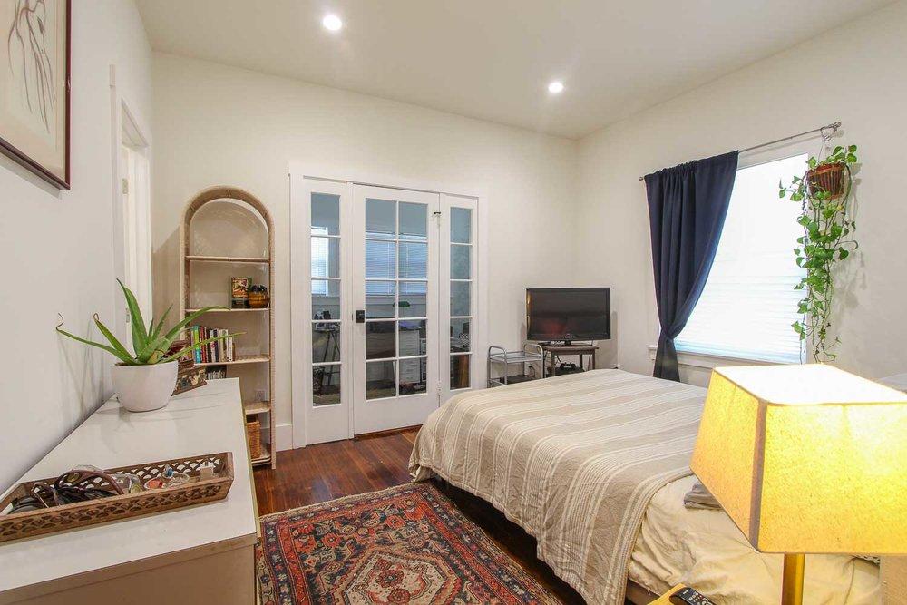 sunny-retreat-home-studio-los-angeles-california-natural-light-photo-studio-rental-11.jpg