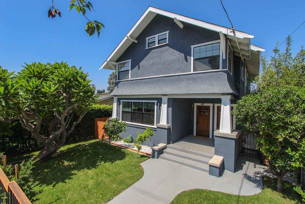sunny-retreat-home-studio-los-angeles-california-natural-light-photo-studio-rental-17.jpg