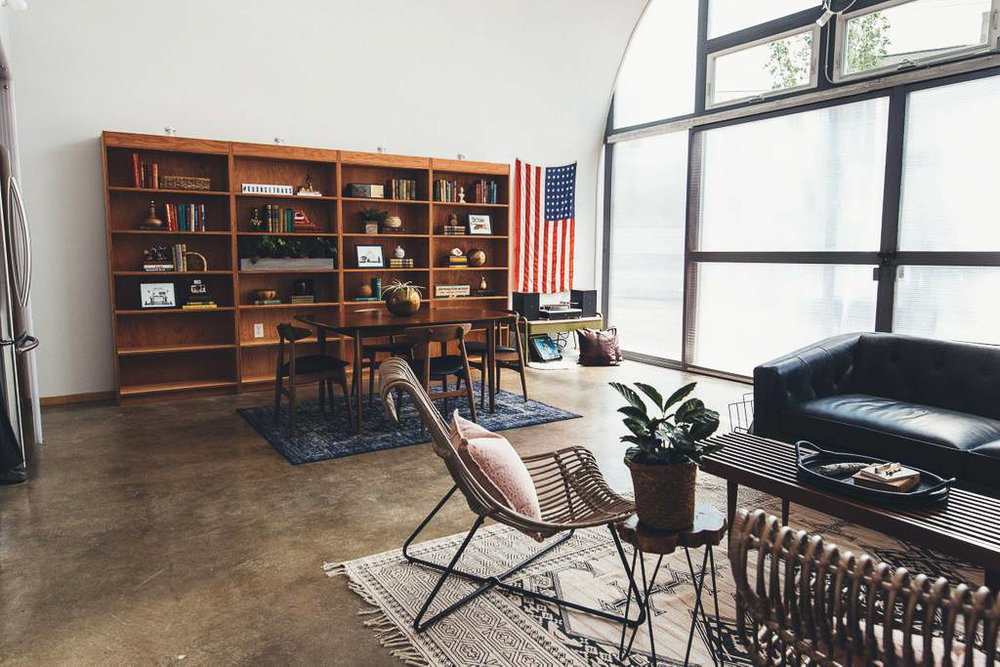 Dapper_Dwelling-homestudiolist-detroit-photoshoot-location-natural-light-23.jpg