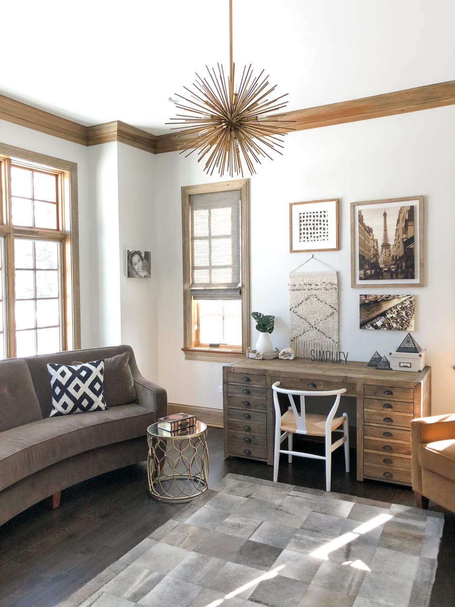 Contemporary-Charm-Illinois-natural-light-photography-studio-lifestyle-photo-ideas-indoor-photoshoot-location-10.jpg