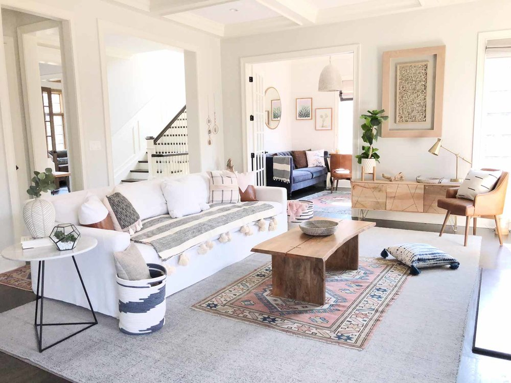 Contemporary-Charm-Illinois-natural-light-photography-studio-lifestyle-photo-ideas-indoor-photoshoot-location-16.jpg