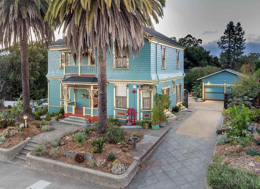 Petaluma-Place-natural-light-photography-studio-lifestyle-photo-ideas-indoor-photoshoot-location-2.jpg