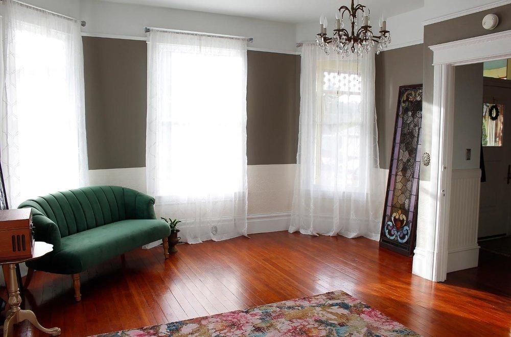 Petaluma-Place-natural-light-photography-studio-lifestyle-photo-ideas-indoor-photoshoot-location-16.jpg
