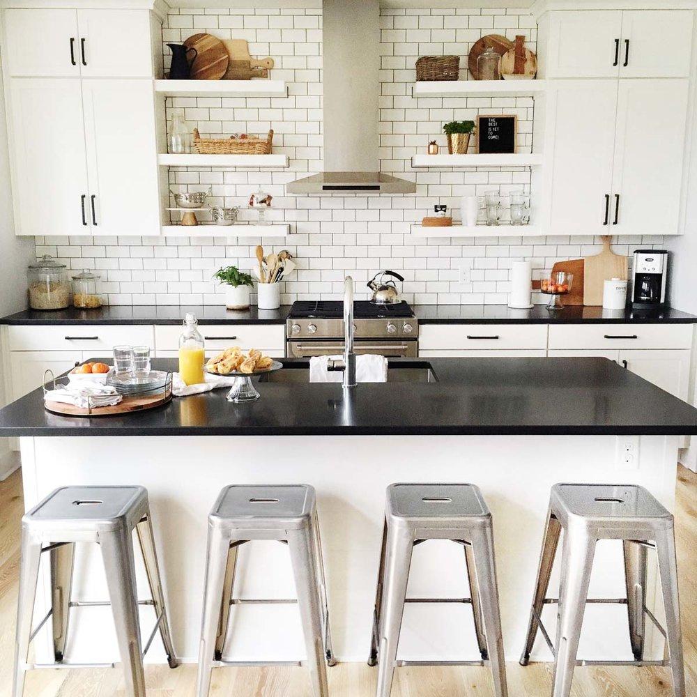 Cozy-Does-It-michigan-natural-light-photography-studio-lifestyle-photo-ideas-indoor-photoshoot-location-2.jpg