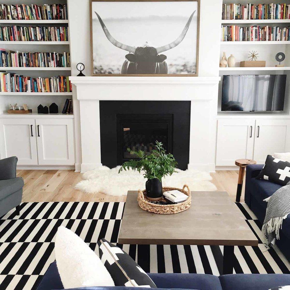 Cozy-Does-It-michigan-natural-light-photography-studio-lifestyle-photo-ideas-indoor-photoshoot-location-4.jpg