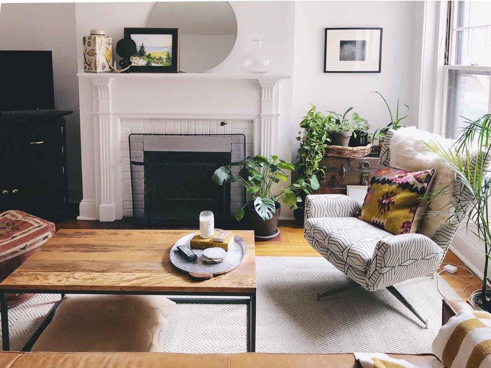 Boho-Charm-michigan-natural-light-photography-studio-lifestyle-photo-ideas-indoor-photoshoot-location-8.jpg