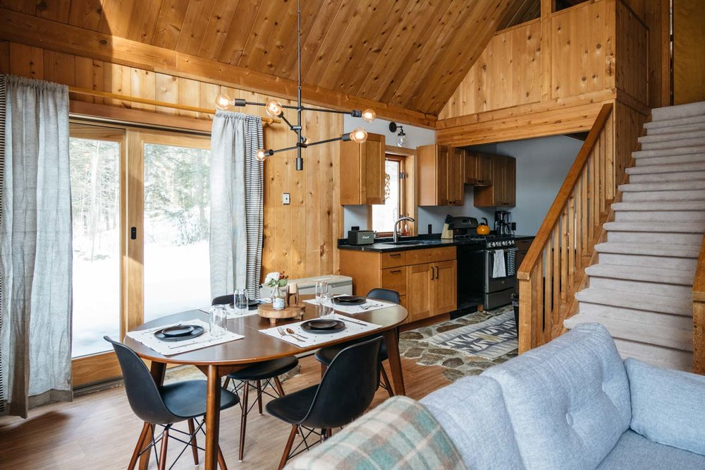 CabinGoals-WardsboroVT-natural-light-photography-studio-lifestyle-photoshoot-location-editorial-commercial-photography-7.jpg