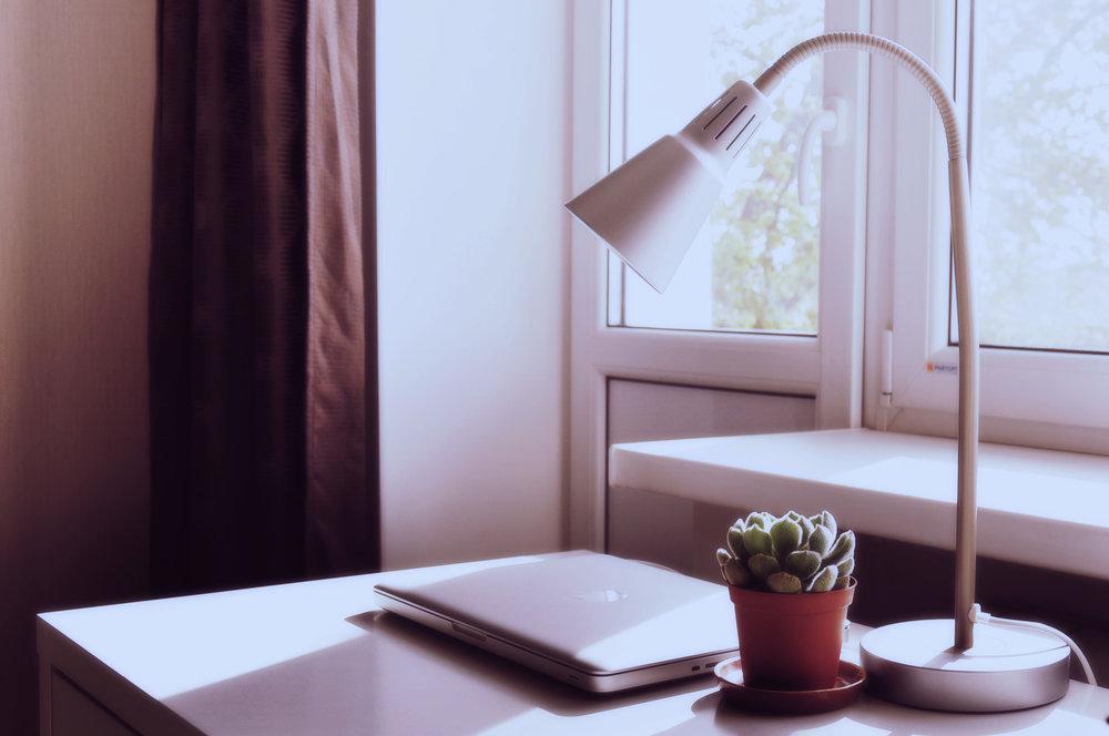desk setting.jpg