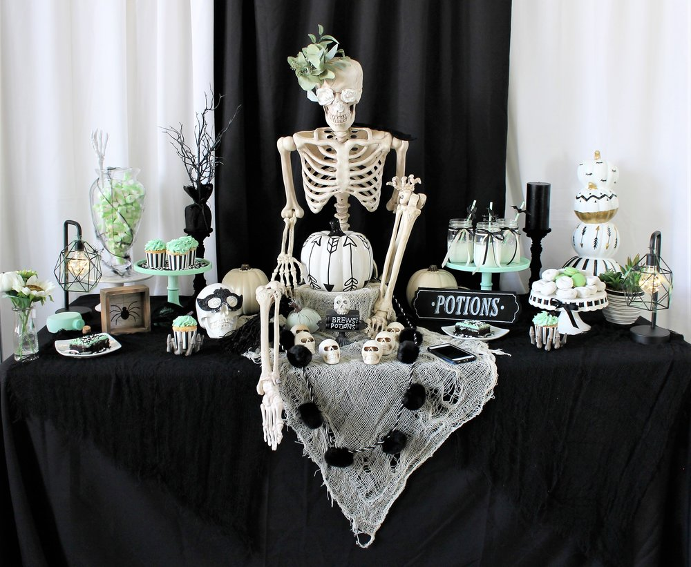 Black,White & Mint Halloween