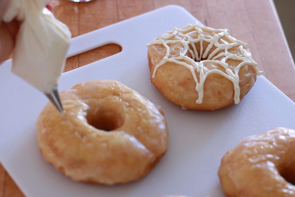 Spider Web Donuts 8 - SugarPartiesLA.JPG