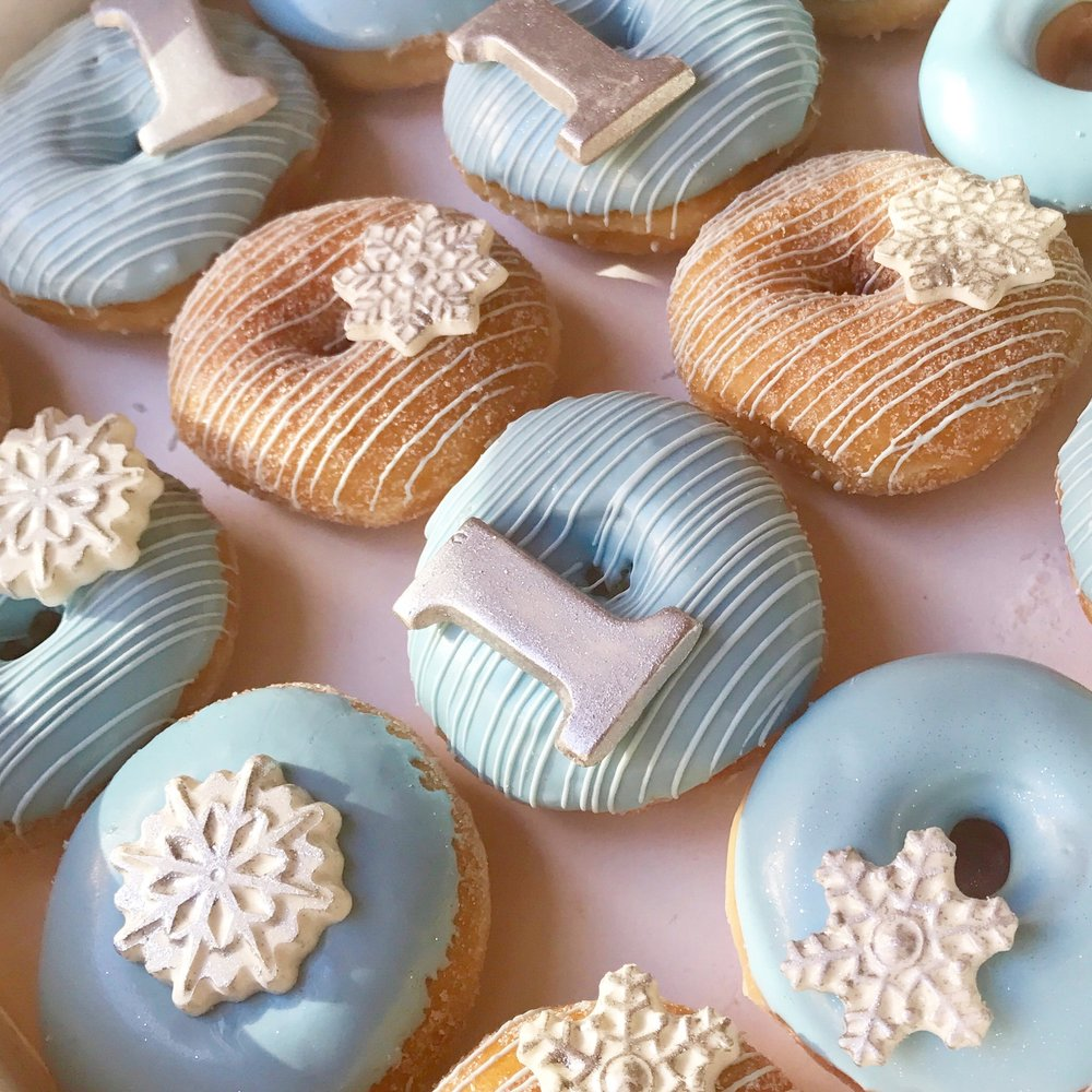 Winter Donuts-Winter OneDerland-Winter Dessert Ideas-www.SugarPartiesLA.com