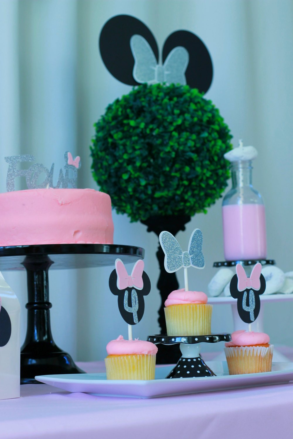 Minnie Mouse Birthday-Minnie Party Ideas-www.SugarPartiesLA.com.jpg