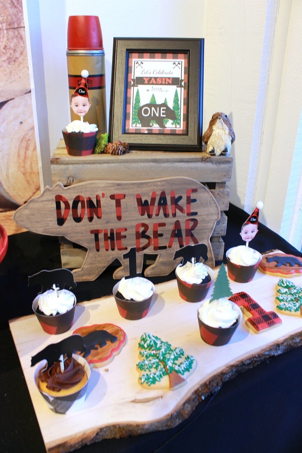 Don't Wake The Bear-LumberJack First Birthday-www.SugarPartiesLA.com.jpg