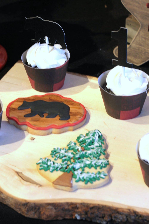 LumberJack Cookies-Pine tree-www.SugarPartiesLA.com.jpg