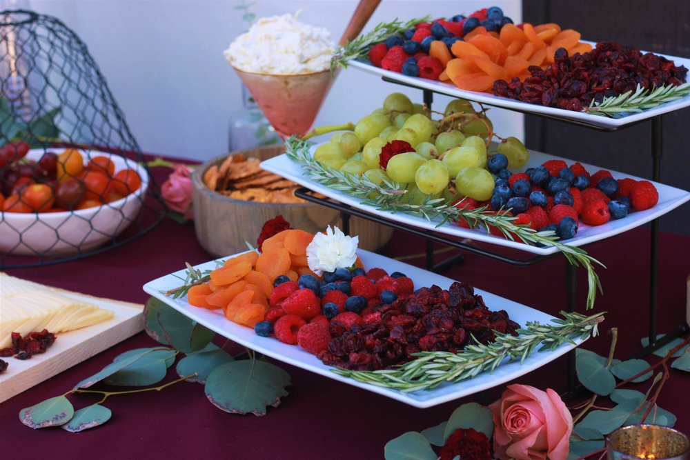 Fall Wedding Food-wedding appetizers-cheese and cracker-wedding cocktail hour-wedding food-www.SugarPartiesLA.com