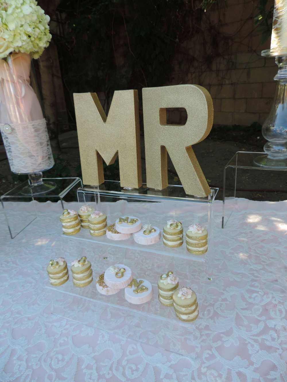 Wedding Dessert Ideas-Garden Wedding-backyard wedding-wedding ideas-spring wedding-summer wedding-wedding ideas-desserts-blush wedding-www.SugarPartiesLA.com.jpg