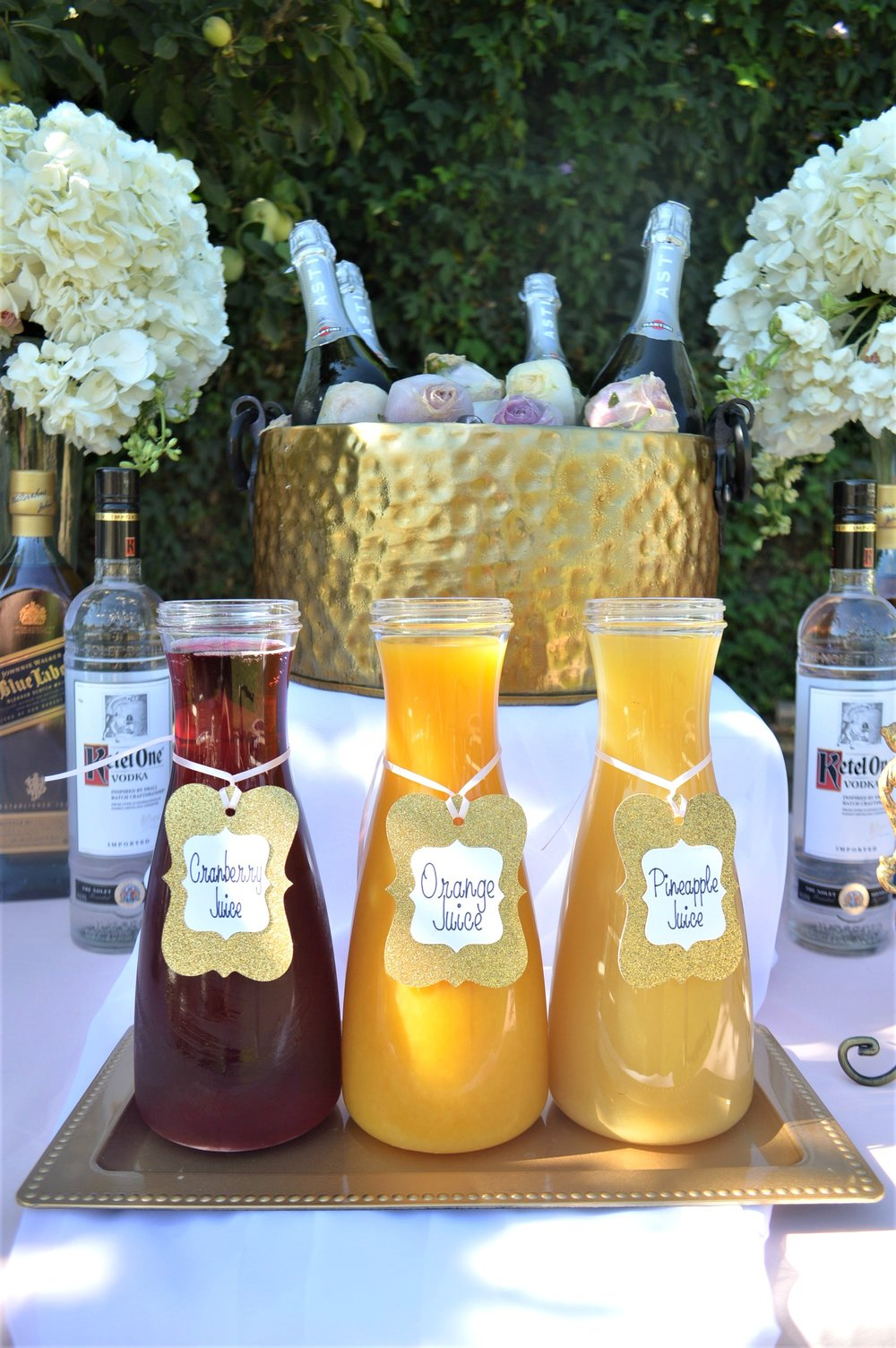 Wedding-Drink Mixers-Wedding Drink-Garden Wedding-wedding ideas-Backyard wedding-wedding drink table-Wedding drinks-Backyard wedding-www.SugarPartiesLA.com.jpg