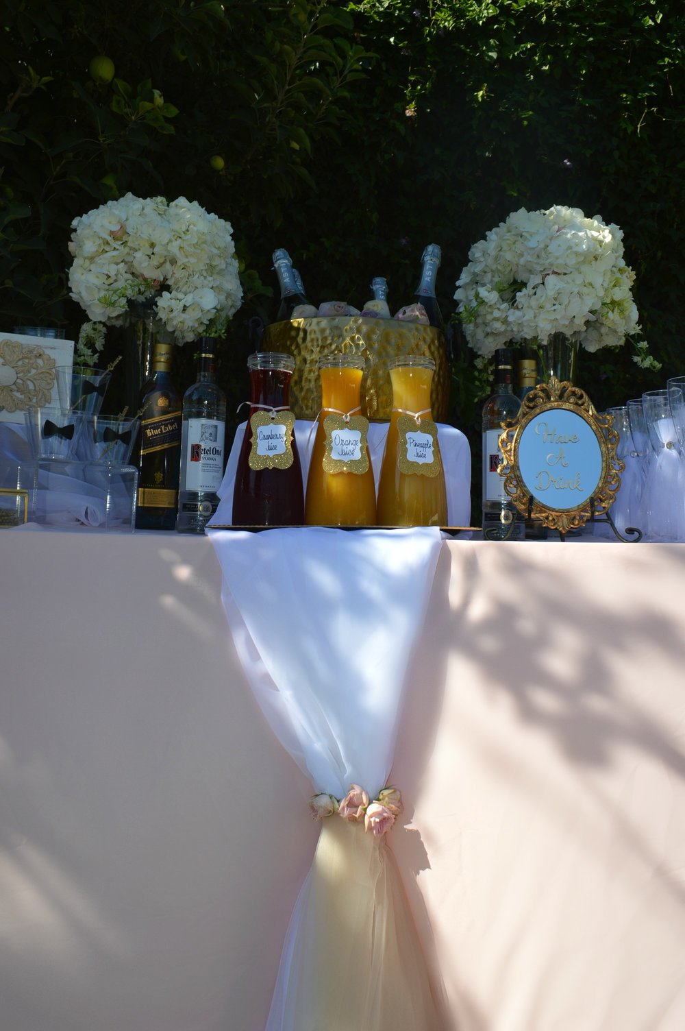 Summer wedding-Spring wedding-garden wedding-wedding ideas-wedding drink ideas-wedding drink station-backyard wedding-blush and gold wedding-www.SugarPartiesLA.com.jpg