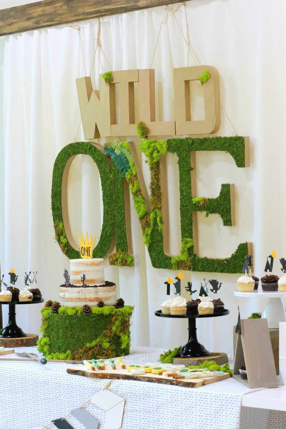 Wild One Party Table-let the wild rumpus start-wild one party ideas-wild one-wild one birthday party-www.sugarpartiesla.com.jpg