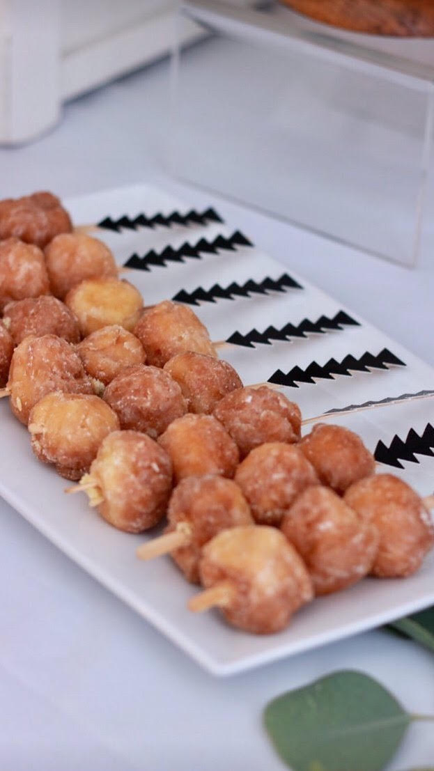 donut holes-arrow skewers-home sweet home party-housewarming party ideas-new home-www.SugarPartiesLA.com