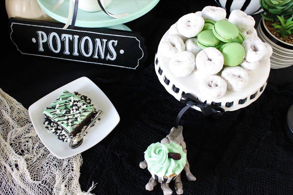 IHalloween Party Ideas-Pastel Halloween -Mint Halloween-Halloween Dessert Table-Halloween Desserts-Halloween Candy Table-Boho Halloween-Halloween Skeleton-Halloween Party Ideas-www.SugarPartiesLA.com