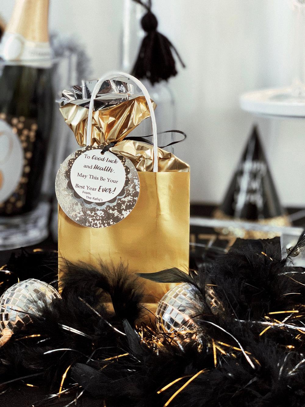 New Years Eve Favors-Favor Bags -SugarPartiesLA.jpg